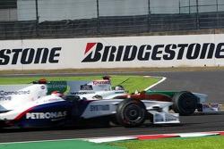 Адриан Сутиль, Force India F1 Team удерживает машину от заноса