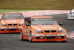 Anthony Reid devant Colin Turkington & Rob Collard