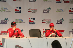 Scott Dixon, Chip Ganassi Racing and Ryan Briscoe, Team Penske