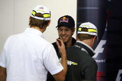 Jenson Button, BrawnGP, Sebastian Vettel, Red Bull Racing, Rubens Barrichello, BrawnGP
