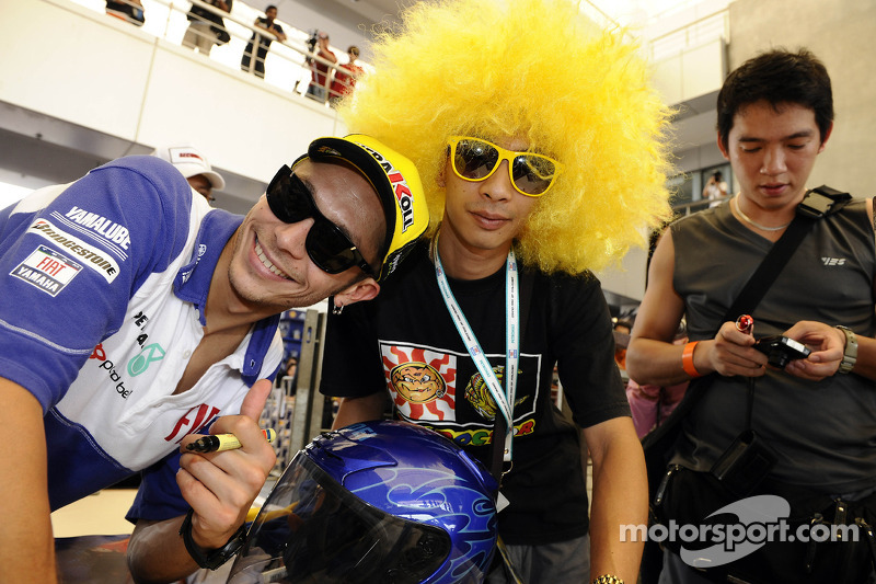 Valentino Rossi, Fiat Yamaha Team con fans