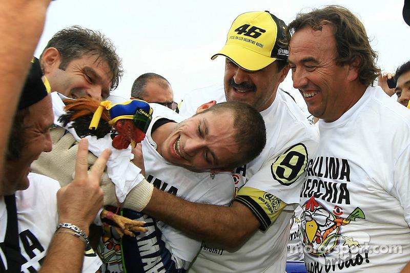 Campeón 2009 de MotoGP Valentino Rossi, Fiat Yamaha Team celebra