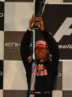 Podio: segundo lugar Mark Webber, Red Bull Racing