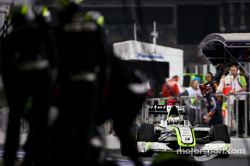 Jenson Button, Brawn GP en un pitstop