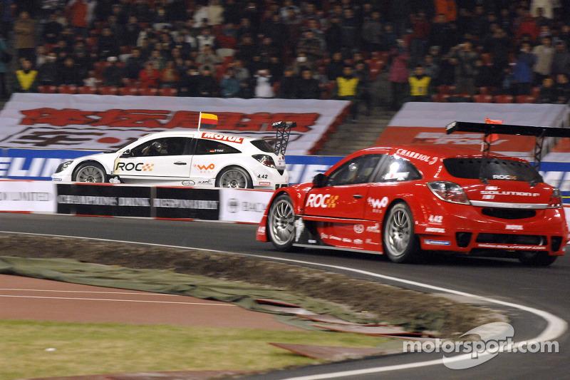 Group A, race 4: Ho-Pin Tung and Sebastien Vettel