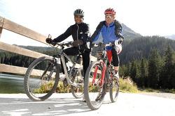 Volkswagen Motorsport: mountain bike training for Nasser Al Attiyah and Giniel de Villiers