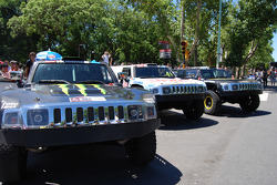 Team Gordon Hummers ready for the ceremonial start