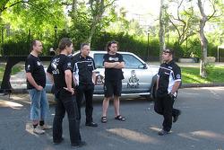 Ales Loprais con su equipo