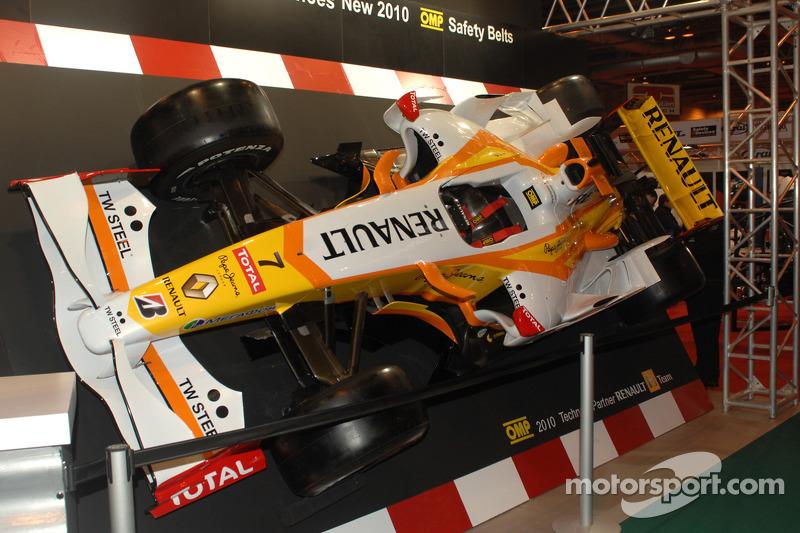 Renauf F1 sur le stand OMP
