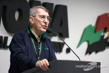 Drivers meeting: Vic Elford