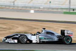 Michael Schumacher, Mercedes GP, W01, avec un casque noir