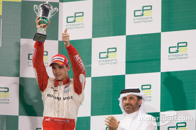 Jules Bianchi celebra el podio
