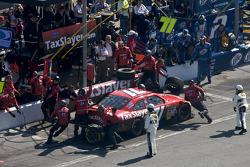 Pitstop Bobby Labonte, TRG Motorsports Chevrolet
