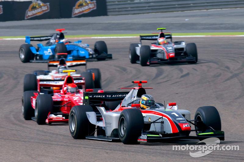 Christian Vietoris rijdt voor Alexander Rossi