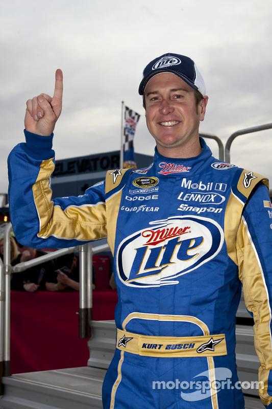 Polepositie Kurt Busch, Penske Racing Dodge