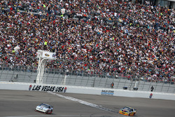 Sam Hornish Jr., Penske Racing Dodge and Ryan Newman, Stewart-Haas Racing Chevrolet