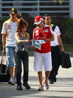 Felipe Massa, Scuderia Ferrari deelt een handtekening uit