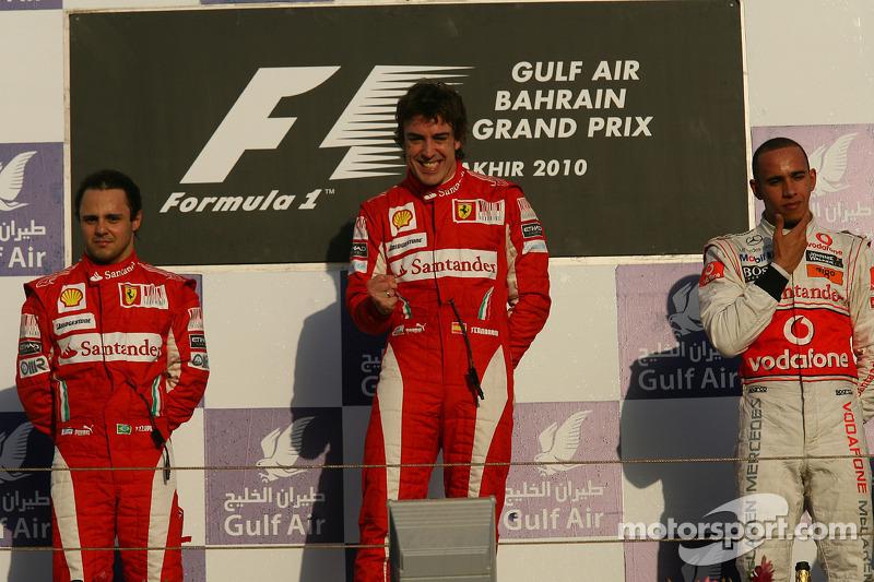 Подіум: Феліпе Масса, Ferrari, Фернандо Алонсо, Ferrari, та Льюіс Хемілтон, McLaren Mercedes