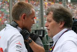 Martin Whitmarsh, McLaren, Chief Executive Officer en Norbert Haug, Mercedes Motorsport