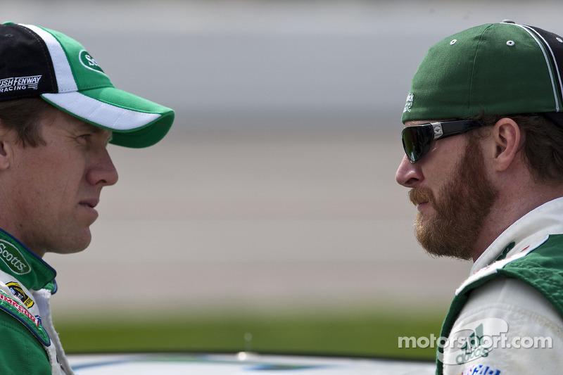 Carl Edwards, Roush Fenway Racing Ford en Dale Earnhardt Jr., Hendrick Motorsports Chevrolet