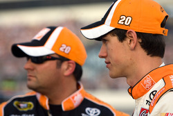 Joey Logano, Joe Gibbs Racing Toyota and crew chief Greg Zipadelli