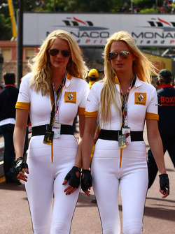 Girls in the pit lane