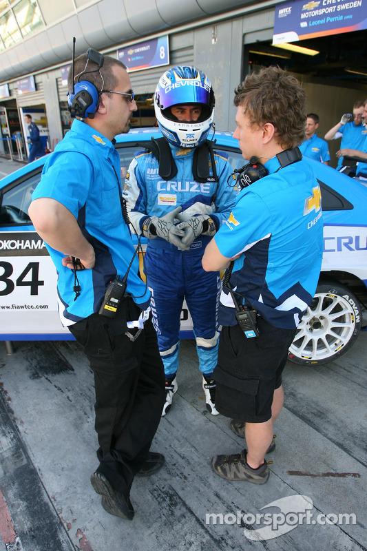 Leonel Pernea, Chevrolet Motorsport Sweden, Chevrolet Cruze LT