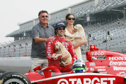 2010 Indianapolis 500 Champion Dario Franchitti, Target Chip Ganassi Racing,wife Ashley Judd and Dario's father George Franchittii