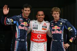 Lewis Hamilton, McLaren Mercedes réalise la pole position provisoire avec Mark Webber, Red Bull Racing 2nd et Sebastian Vettel, Red Bull Racing 3rd