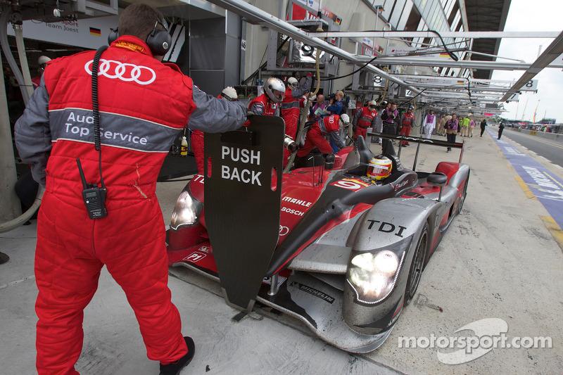 Pitstop #9 Audi Sport North America Audi R15: Mike Rockenfeller, Timo Bernhard, Romain Dumas