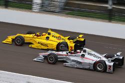 Helio Castroneves, Team Penske Chevrolet, und Juan Pablo Montoya, Team Penske Chevrolet