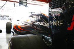 Fernando Alonso, McLaren MP4-31 prepares to leave the garage