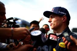 Max Verstappen, Red Bull Racing met de media