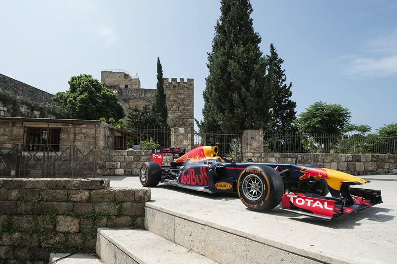 El Red Bull RB7 en Jbeil, Líbano