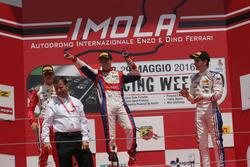 Podyum: Marcos Siebert, Jenzer Motorsport, Mick Schumacher, Prema Powerteam,  Job Van Uitert, Jenzer Motorsport