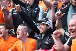 Серхио Перес, Sahara Force India F1 празднует третье место с командой