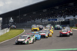 Start Race 1, Tiago Monteiro, Honda Racing Team JAS, Honda Civic WTCC, leads