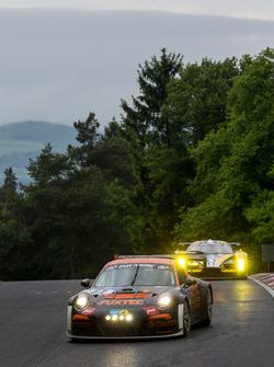 #67 Porsche GT3 MR: Guido Wirtz, Oleg Kvitka