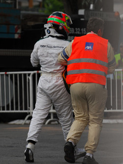 Augusto Farfus, BMW Team Germany, BMW 320si, incidente