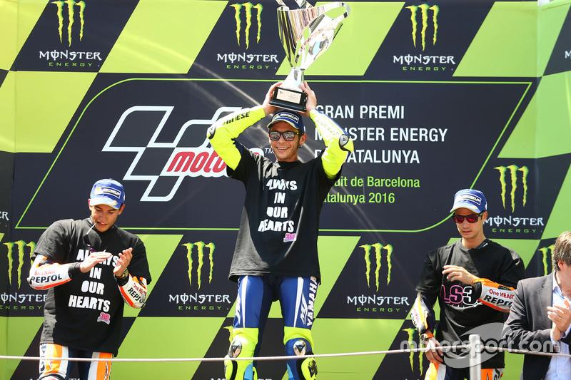 Podio: secondo classificato Marc Marquez, Repsol Honda Team, vincitore della gara Valentino Rossi, Yamaha Factory Racing, terzo classificato Dani Pedrosa, Repsol Honda Team