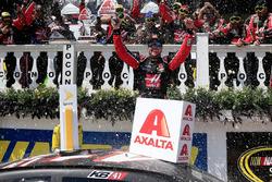 Pemenang lomba Kurt Busch, Stewart-Haas Racing Chevrolet
