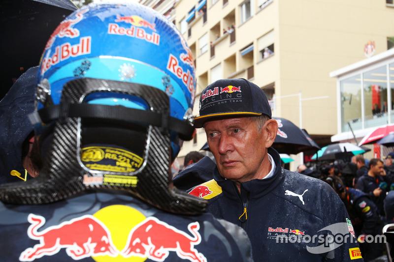 Daniel Ricciardo, Red Bull Racing con el Dr Helmut Marko, Red Bull Motorsport Consultor