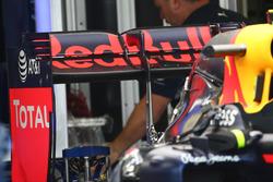 Red Bull Racing RB12, Heckflügel