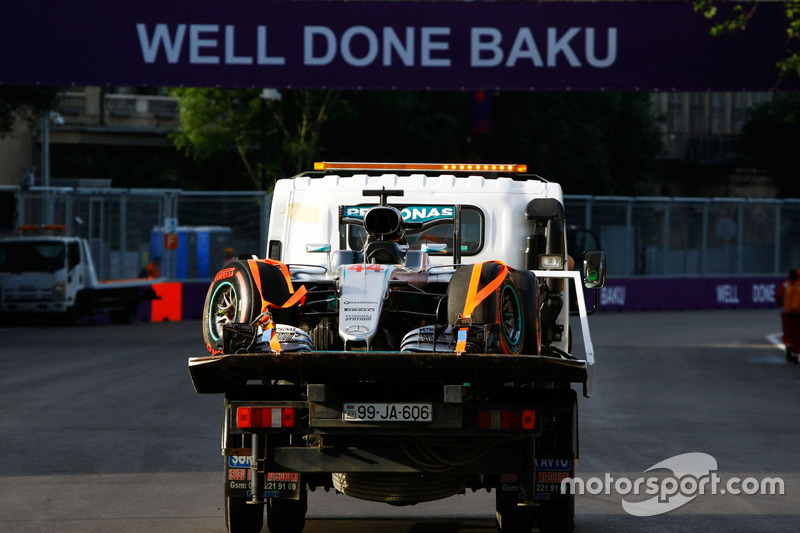 The Mercedes AMG F1 W07 Hybrid of Lewis Hamilton, Mercedes AMG F1 is recovered back to the pits on the back of a truck after he crashed in qualifying