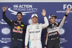 Топ-3 квалификации в закрытом парке: Даниэль Риккардо, Red Bull Racing RB12 - третий; Нико Росберг, Mercedes AMG F1 - обладатель поула; Серхио Перес, Sahara Force India F1 - второе место