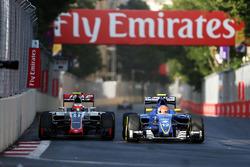 Esteban Gutierrez, Haas F1 Team VF-16 y Felipe Nasr, Sauber C35