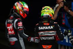 Esteban Gutiérrez, Haas F1 Team VF-16 y Sergio Pérez, Force India F1 VJM09