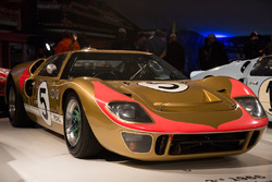 Le Mans 1966 third place Ronnie Bucknum, Dick Hutcherson, Ford GT 40