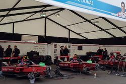 Pits Team Dragon Racing