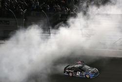 Pemenang lomba Brad Keselowski, Team Penske Ford